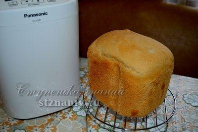 Пшенично - ржаной хлеб приготовленный в хлебопечке Panasonic с добавлением 20 грамм сахара